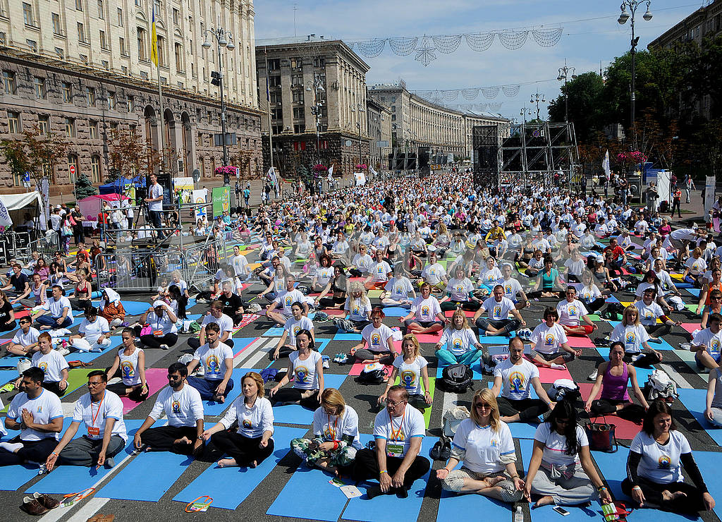 "Yoga session ""Marathon without fuss"" in Kiev — Image 56956"