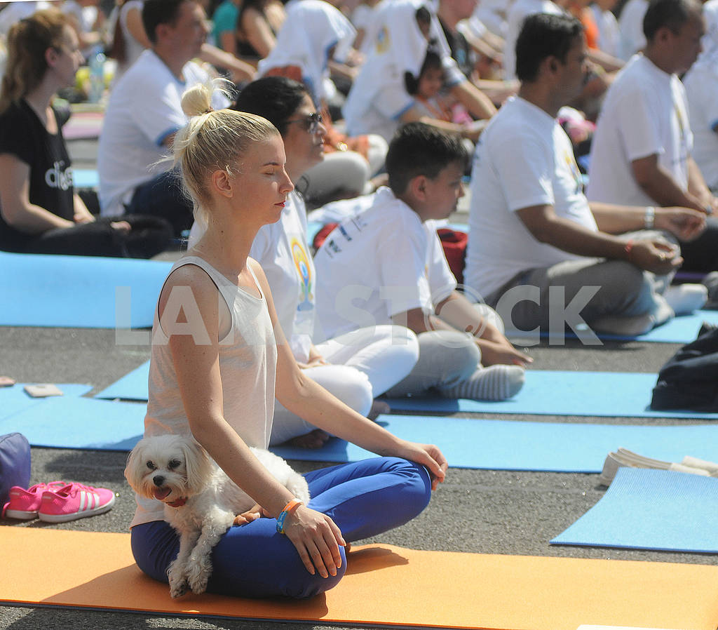 "Yoga session ""Marathon without fuss"" in Kiev — Image 56959"
