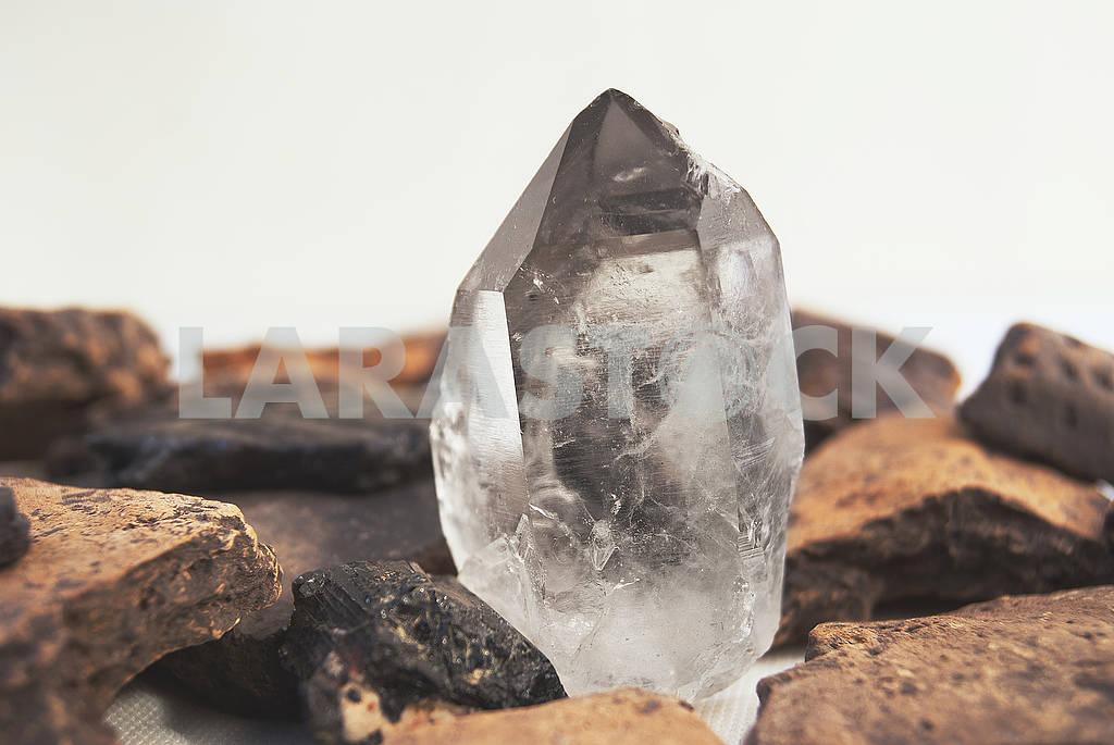 Large quartz crystal on white background close-up — Image 57124