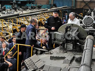 Tank Oplot T-84