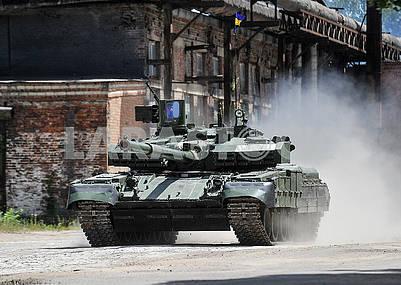 Танк Оплот Т-84