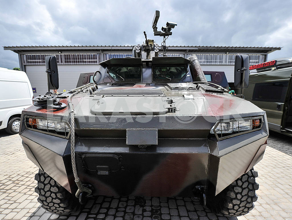 Armored personnel carrier — Image 57169