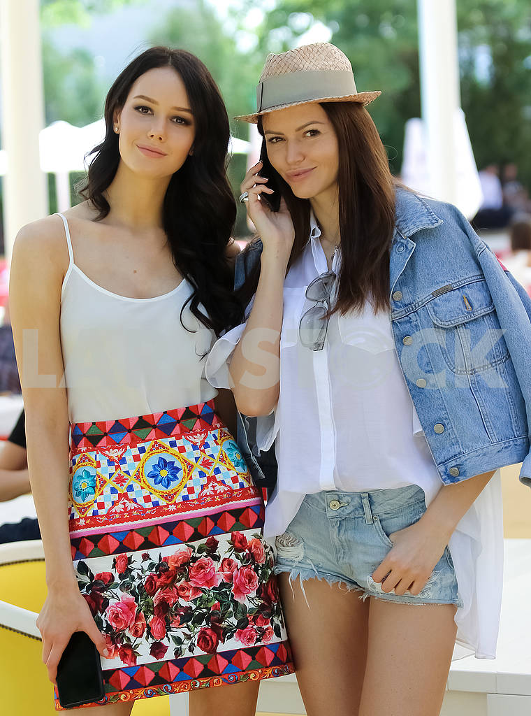 Anastasia Pshenichnaya and Executive Director of the Miss Ukraine National Committee Irina Kopanitsa — Image 57548