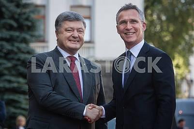 Petr Poroshenko and Jens Stoltenberg