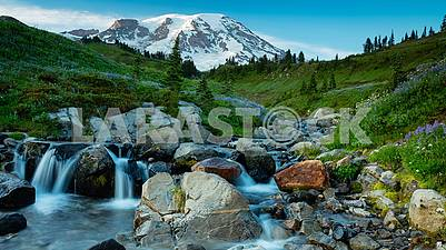 Nature, landscapes, cities, countries, waterfalls, seas and oceans.