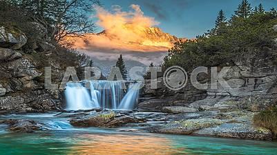 Природа,пейзажи,города,страны,водопады,моря и океаны.