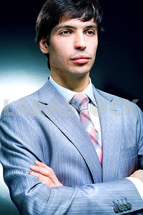 Портрет бизнесмена в костюме