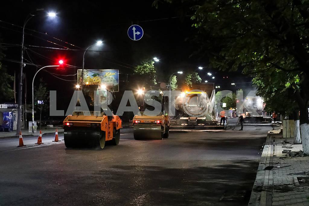 Road robots on Vozduhoflotsky Avenue. — Image 60366