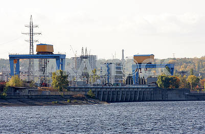 The dam of the Kiev HPP
