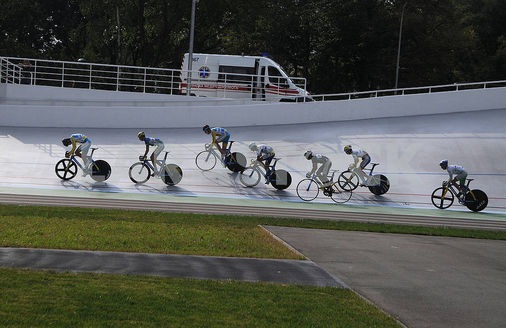Cyclists on the track — Image 60507