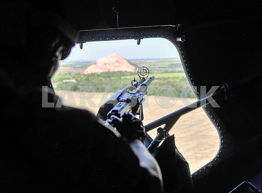 Shooter in the helicopter — Image 60802