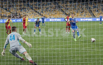 Andrei Yarmolenko scores from the penalty spot