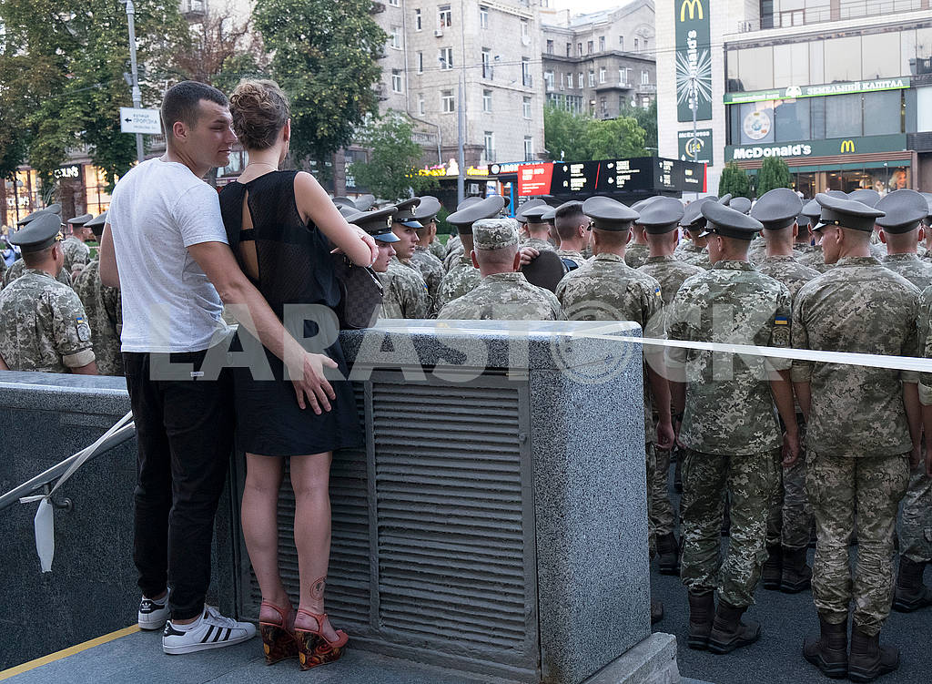 Spectators at the parade rehearsal — Image 61106