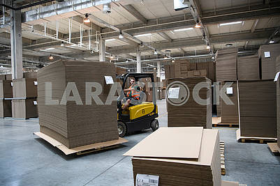 Corrugated board manufacturing