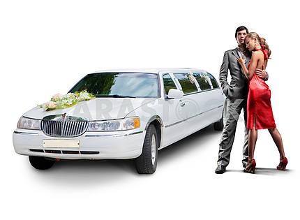 Молодая красивая пара с их свадьбы лимузин