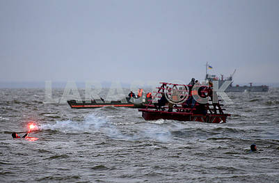 Rescuers on the Sea of ​​Kiev