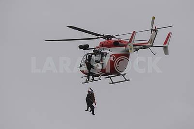 Спасение с помощью вертолета