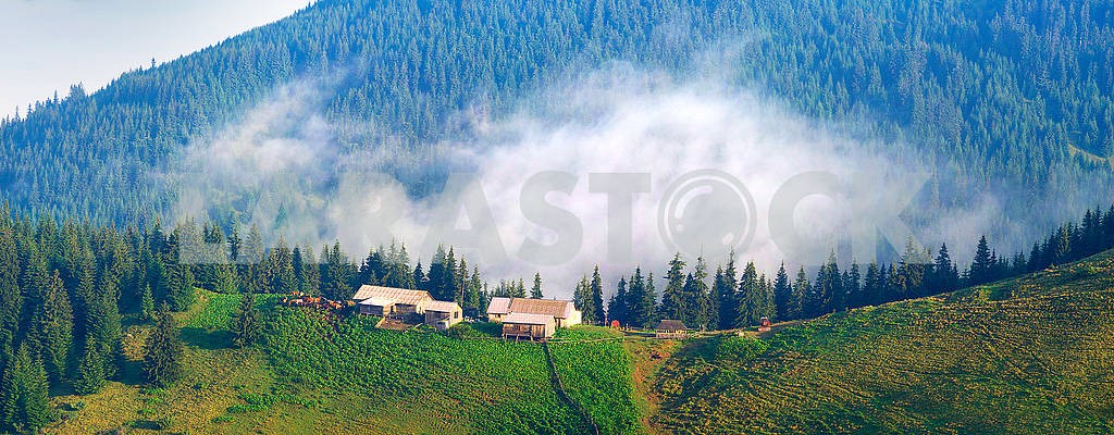 Picturesque house in the fog — Image 62589