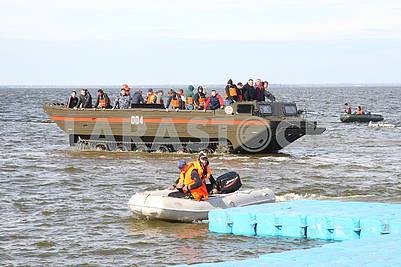 Плавающее транспортное средство