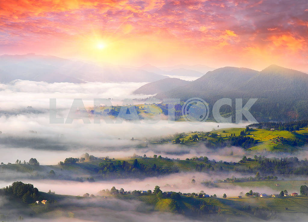 Dawn over the village of Verkhovyna — Image 62882
