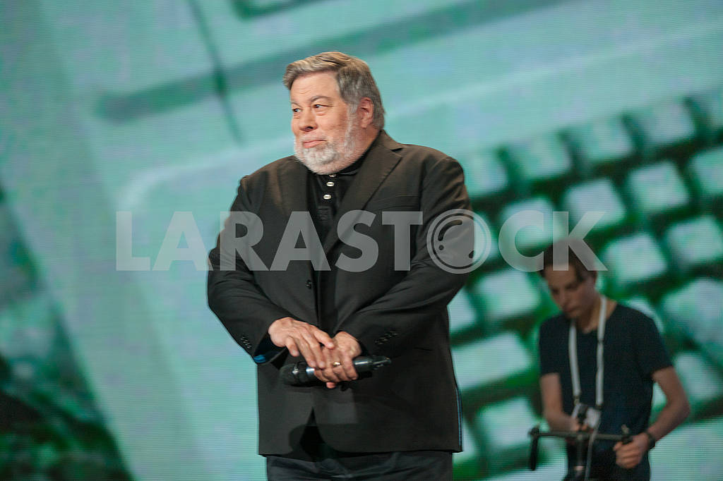 Steve Wozniak at the Olerom Forum 1. — Image 63062