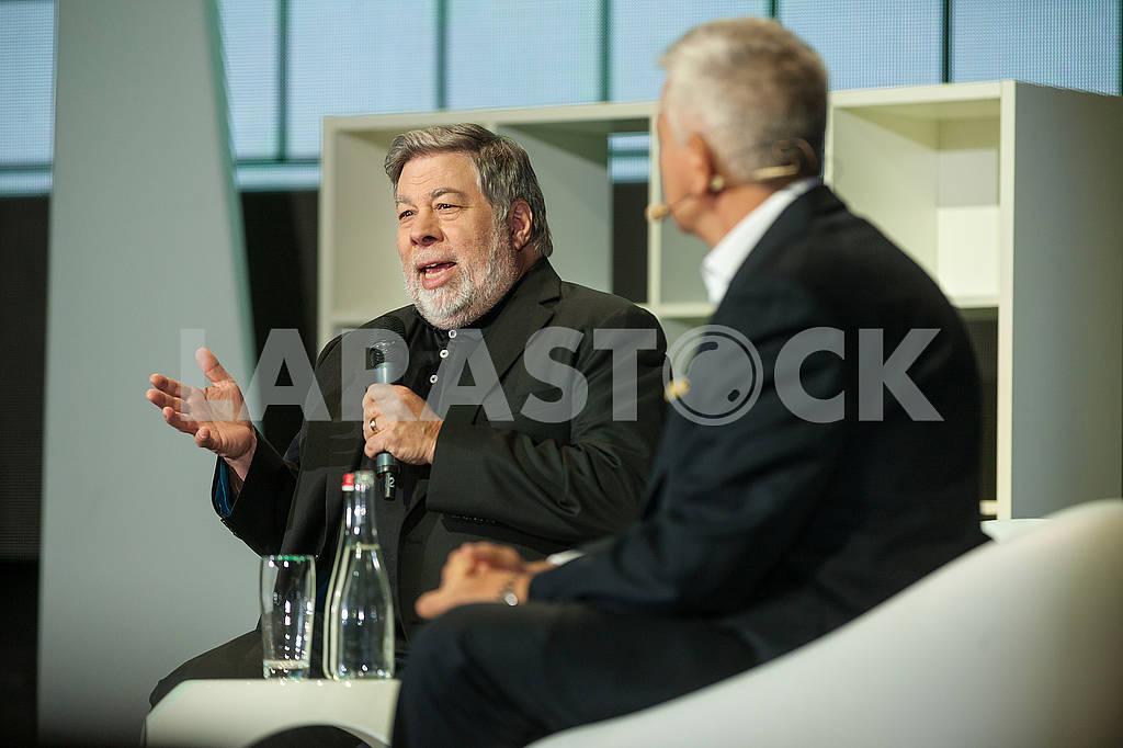 Steve Wozniak at the Olerom Forum 1. — Image 63063