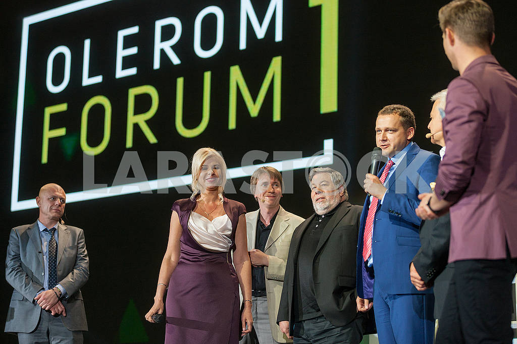 Steve Wozniak at the Olerom Forum 1. — Image 63073