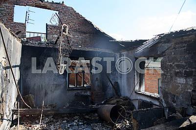 Ruined house in Pavlovka