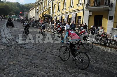 Гонка на велосипедах по Андреевскому спуску