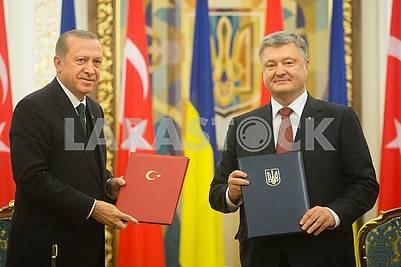Petro Poroshenko and Recep Erdogan