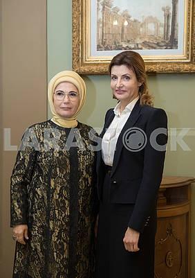 Emine Erdogan and Marina Poroshenko