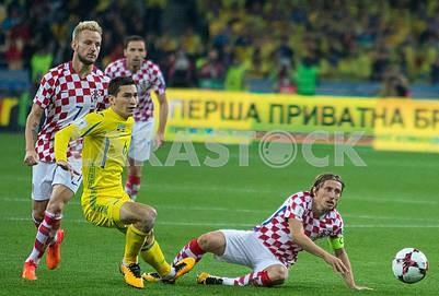 Taras Stepanenko, Luka Modric