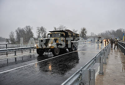 Truck on the bridge