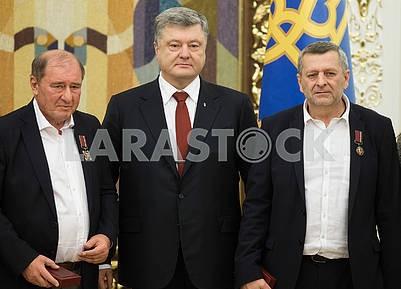 Ilmi Umerov, Petro Poroshenko and Ahtom Chigoise