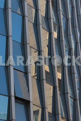 Стеклянная стена здания