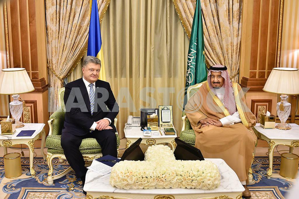 Petro Poroshenko and Salman ibn Abdul-Aziz Al Saud — Image 64139