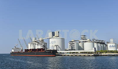 Oil tanks for the port of Dubai