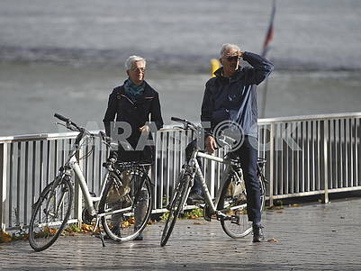Cyclists on the Rhine promenade