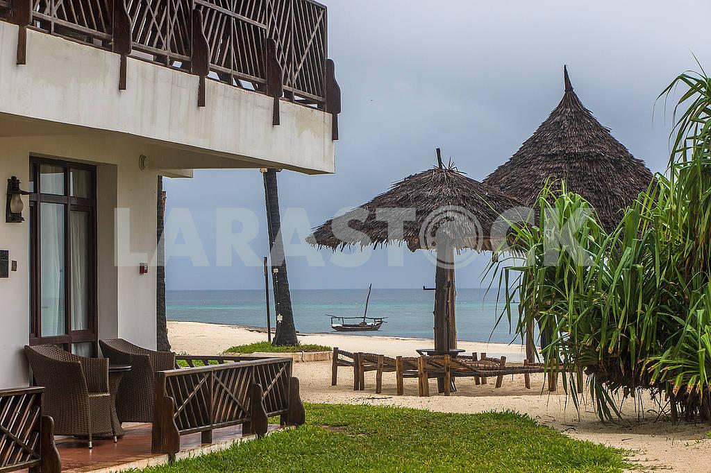 Пляж возле гостиницы — Изображение 65356