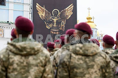 Marines in navy burgundy berets