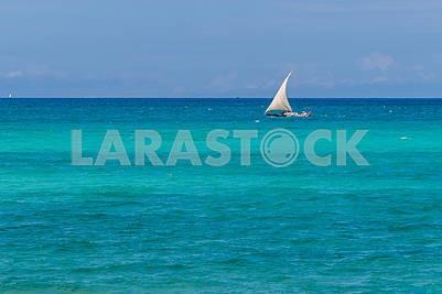 Парусная лодка в Индийском океане