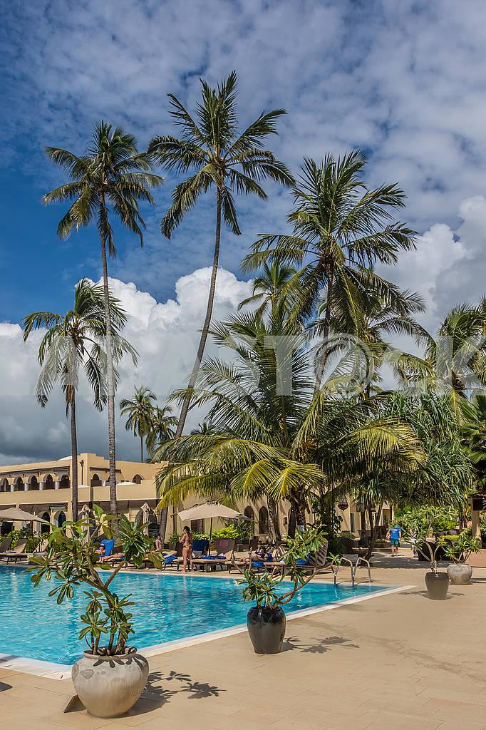 Бассейн и гостиница на Занзибаре — Изображение 65575