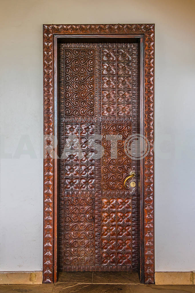 Carved doors — Image 65587