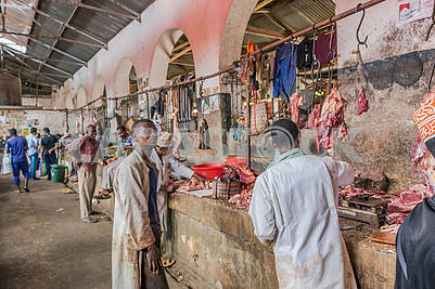 Мясной ряд на базаре