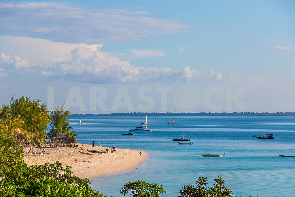 Boats in the Indian Ocean — Image 65689