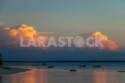 Заход солнца в Индийском океане