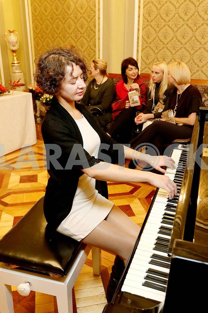 Pianist — Image 66018