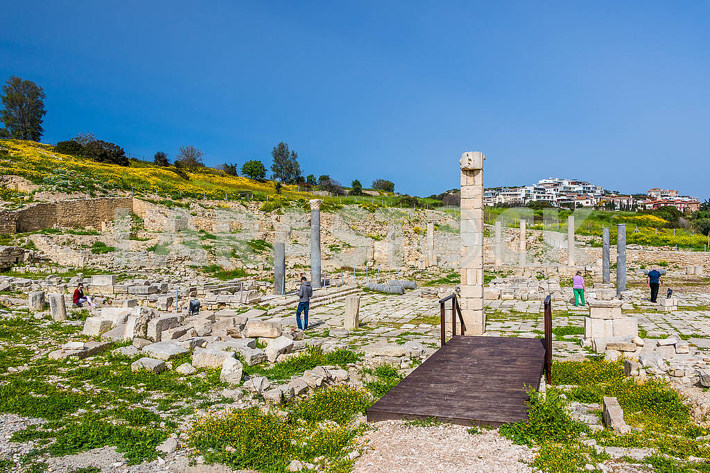 Tourists visiting the ruins — Image 66160
