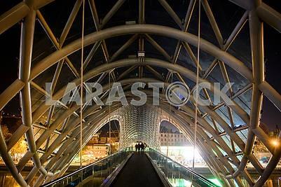 Мост через Куру ночью