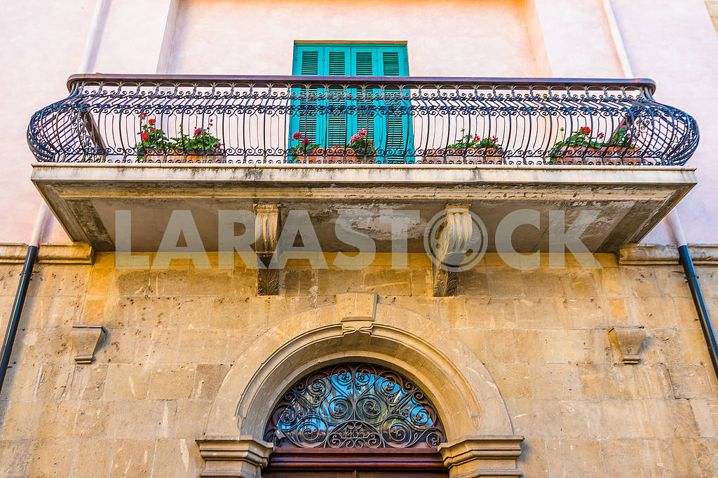 Балкон на старом доме — Изображение 66447
